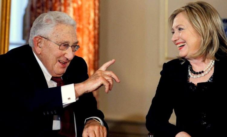 Hillary_Kissinger_AP_img-800x483